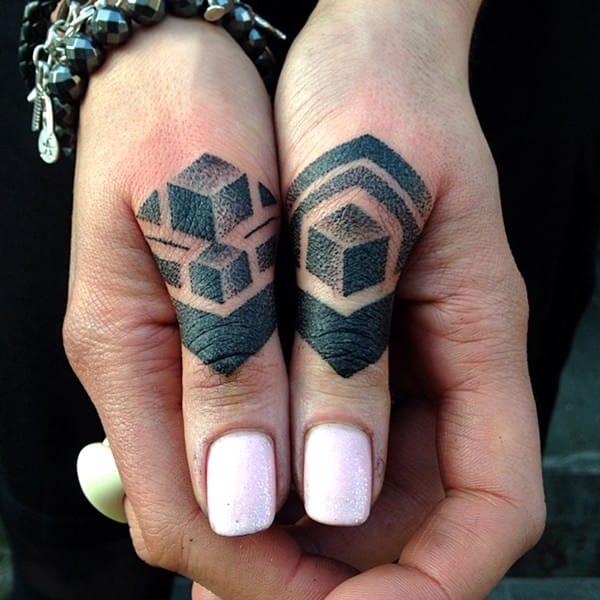 tatuagens nos dedos