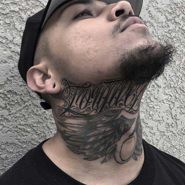 tatuagem no pesco%C3%A7o