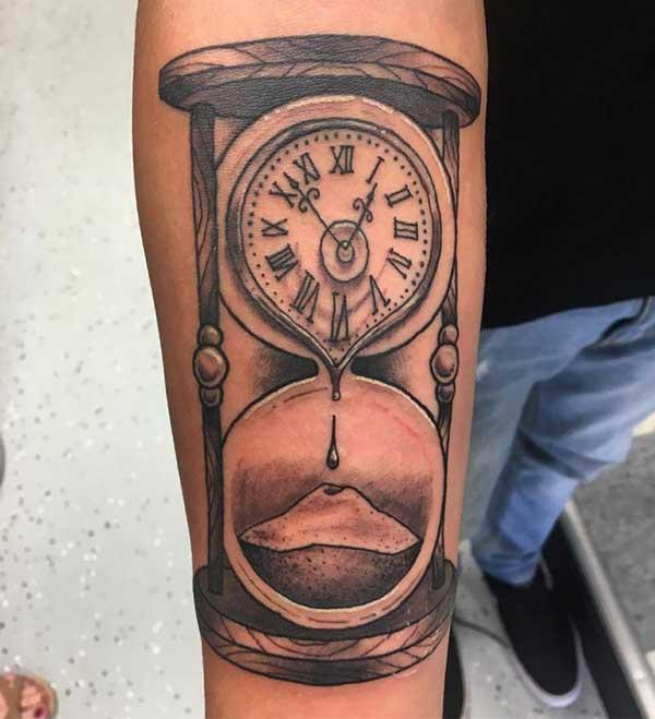 com relógio