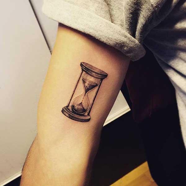 tatuagens de ampulhetas